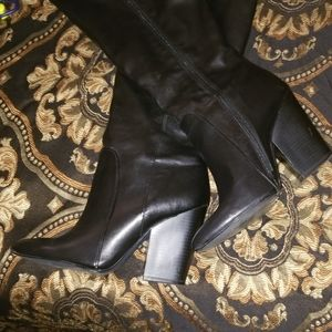 BCBG Black boots, fits like a 9! READ FULL LISTING